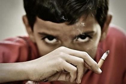 Fumo e giovani: serve una battaglia più dura