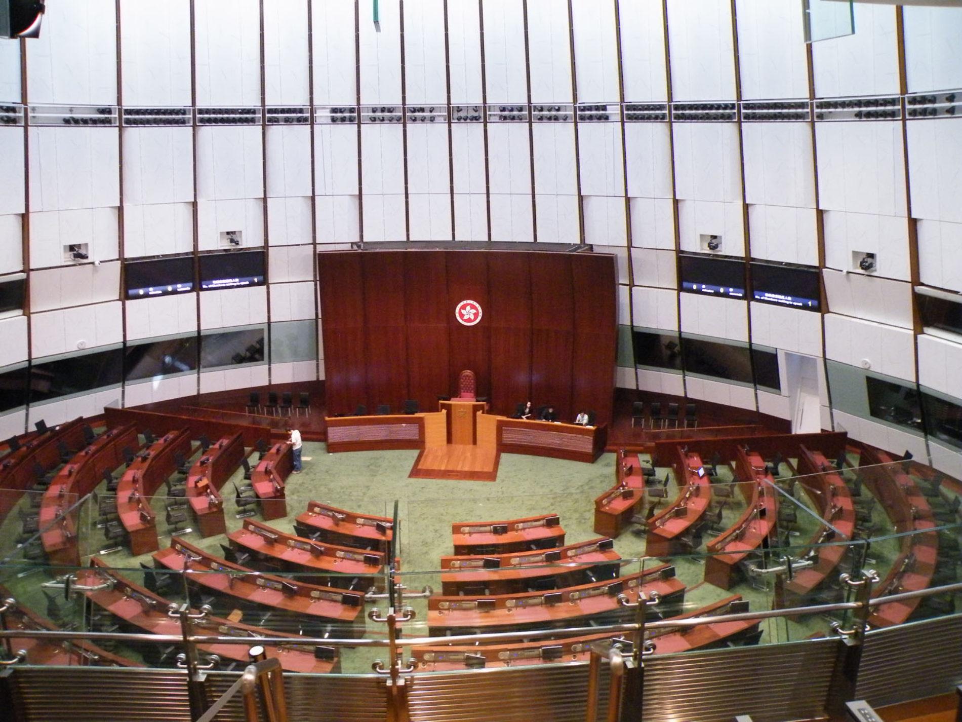 """R. Polosa ai membri del Consiglio di Hong Kong: """"Il divieto di e-cig è ingiusto"""""""