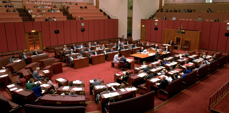 Riccardo Polosa al Senato Australiano: non limitate la scelta del singolo, è per il suo bene