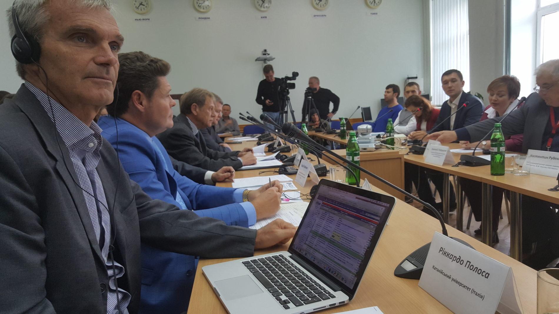 Polosa e Farsalinos incontrano a Kiev esperti di salute pubblica e cardiologi