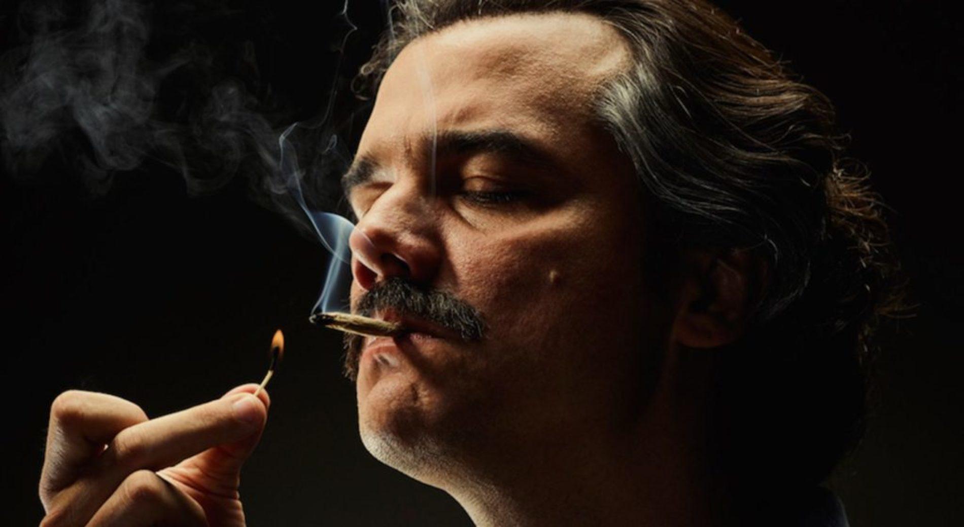 Netflix dice stop al fumo